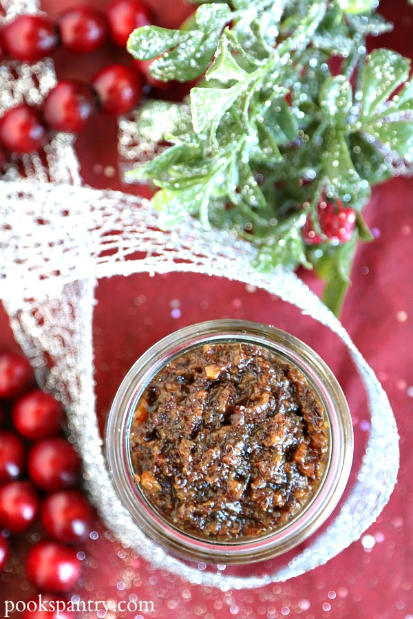 bacon jam in glass jar with ribbon