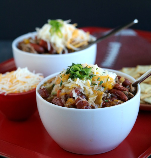 simple turkey chili with cheese and scallions