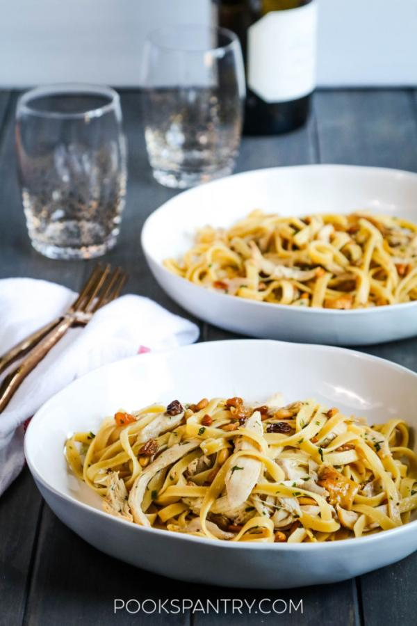 bowls of pasta with chicken