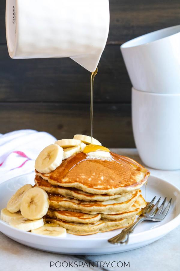 banana pancakes with syrup