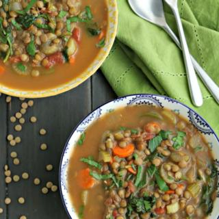 bowls of easy soup for dinner