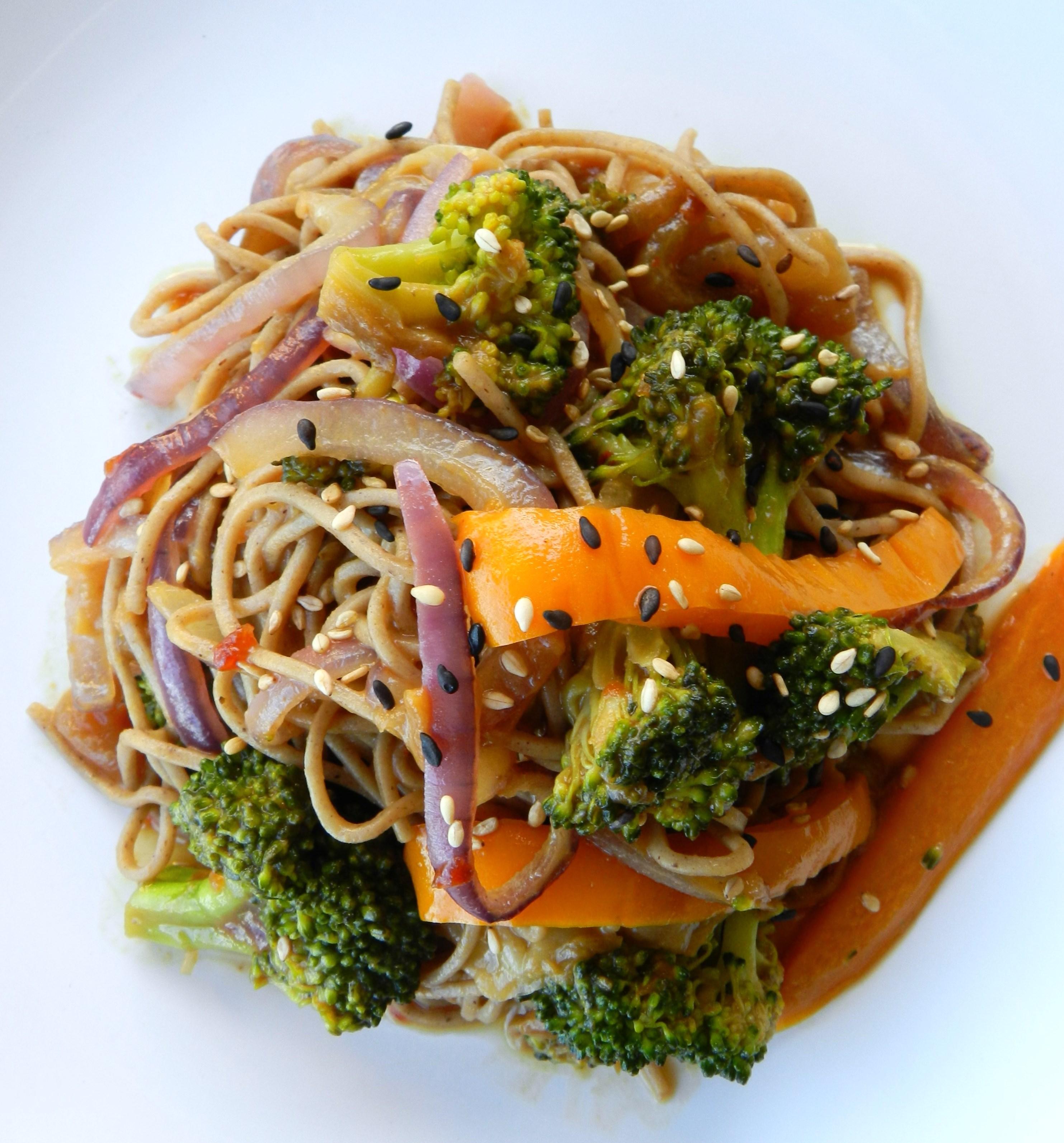 soba noodles with stir-fried vegetables - Pook's Pantry