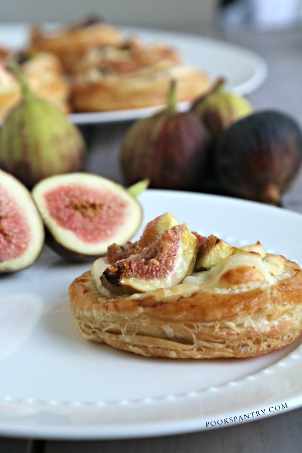 side view of fig tart recipe with sliced fig on plate