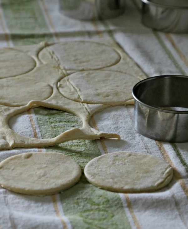 cutting dough circles from puff pastry