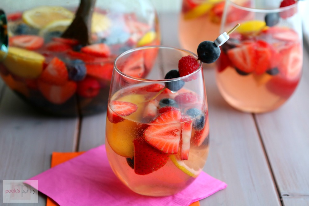 Ros sangria with fresh summer fruit and berries ros sangria with summer fruits thecheapjerseys Image collections