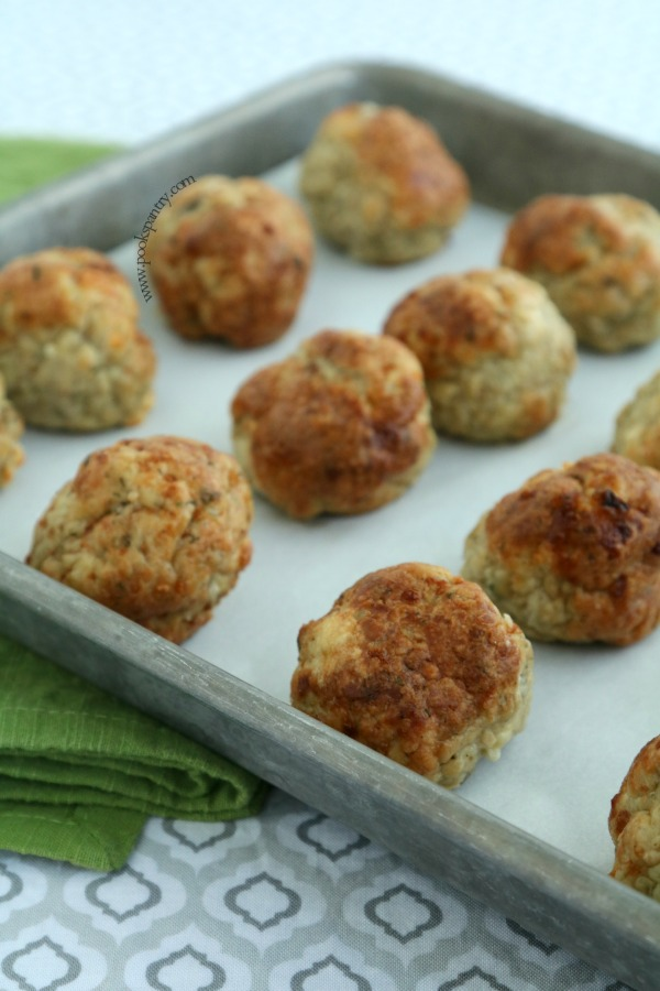 Mediterranean chicken meatballs on sheet pan