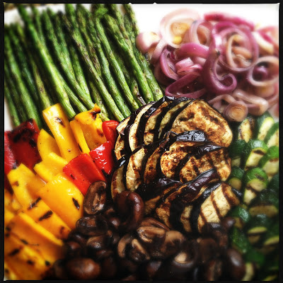 Grilled Vegetables and Red Pepper Dip