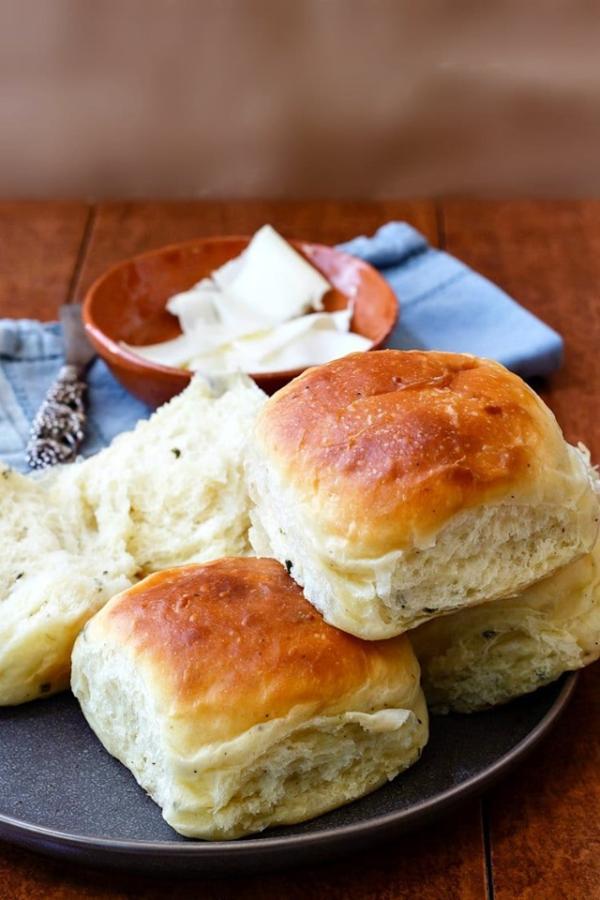 Garlic Chive Potato Rolls