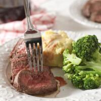 How to Broil Steak in the Oven (an easy how-to guide!)