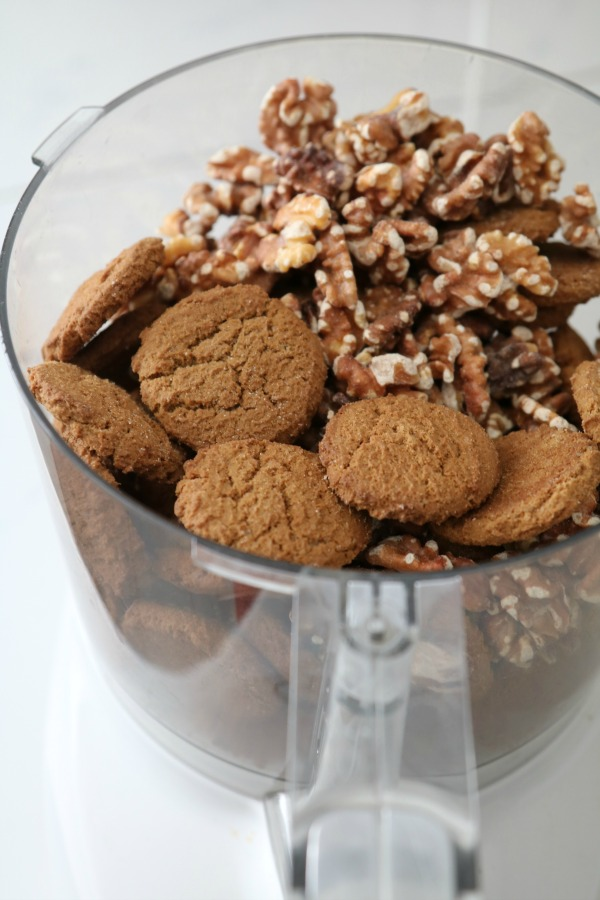 gingersnaps and walnuts in food processor