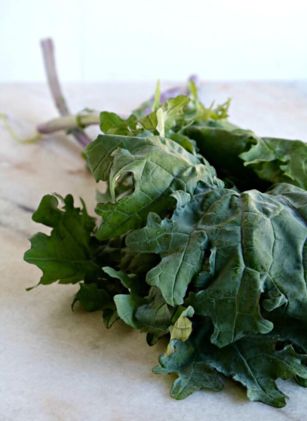 kale leaves on cutting board