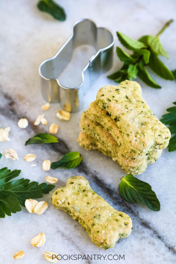 dog biscuit recipe with mint and parsley