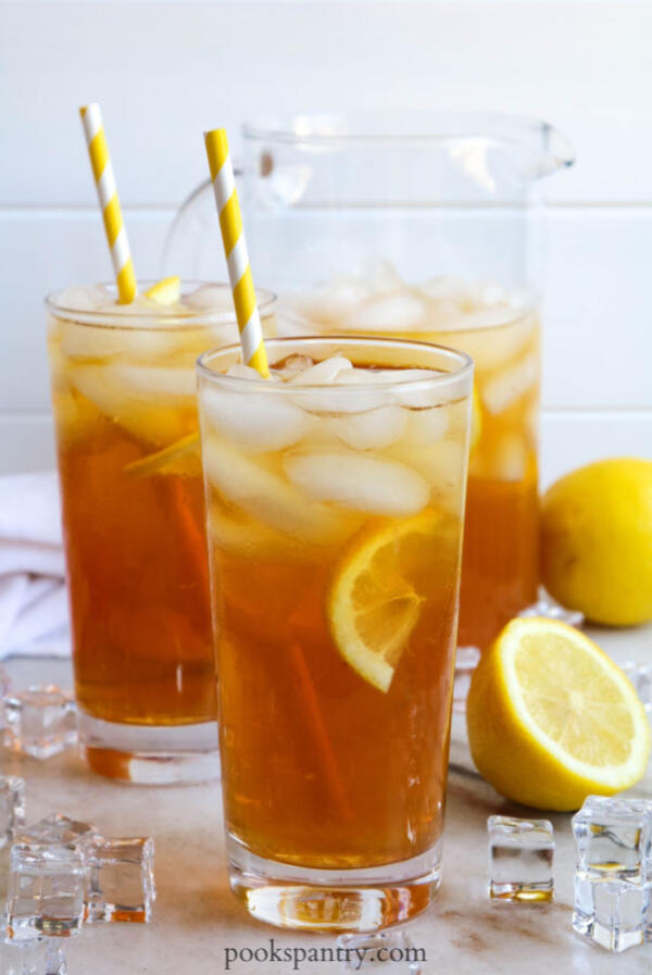 lemonade iced tea with paper straws