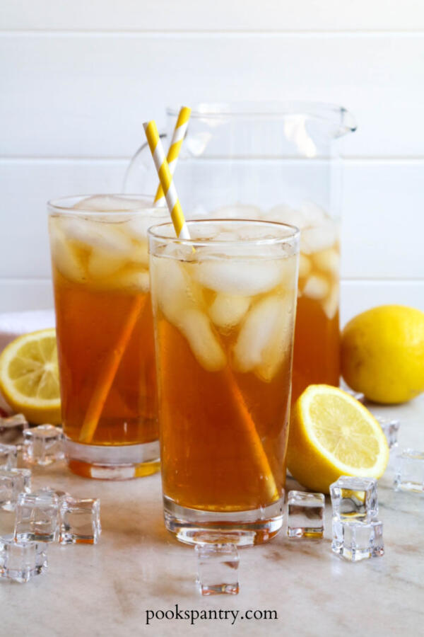 lemon tea in glasses