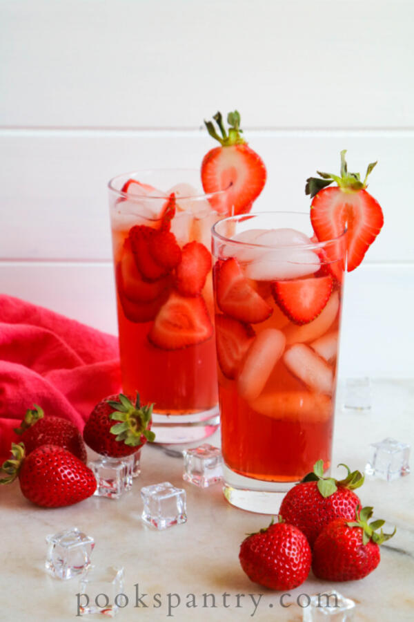 how to make strawberry iced tea