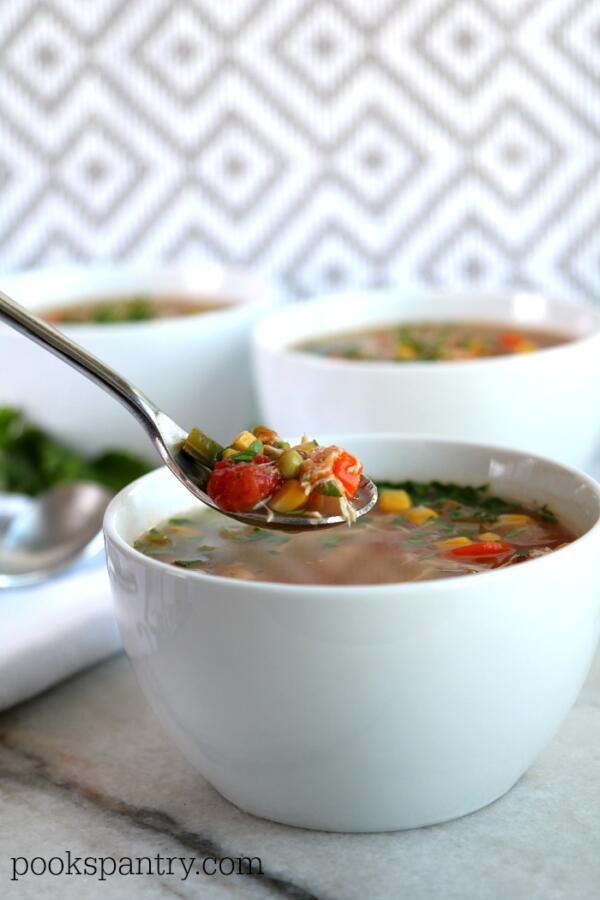 slow cooker chicken veg soup