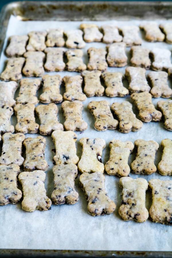 Finished blueberry dog treats on baking sheet.